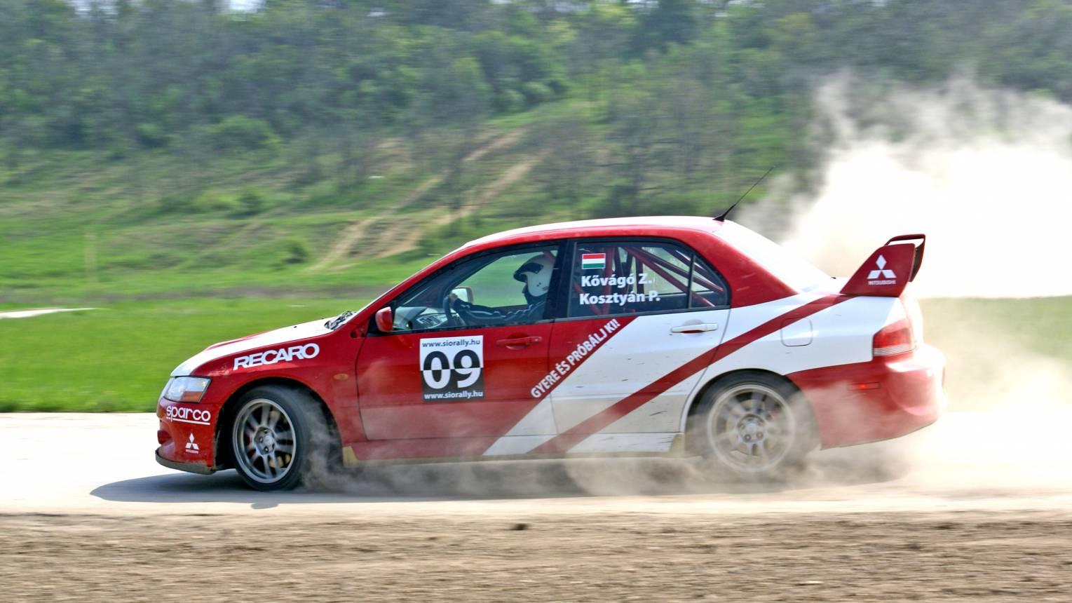 Mitsubishi Lancer Evo IX-es rally