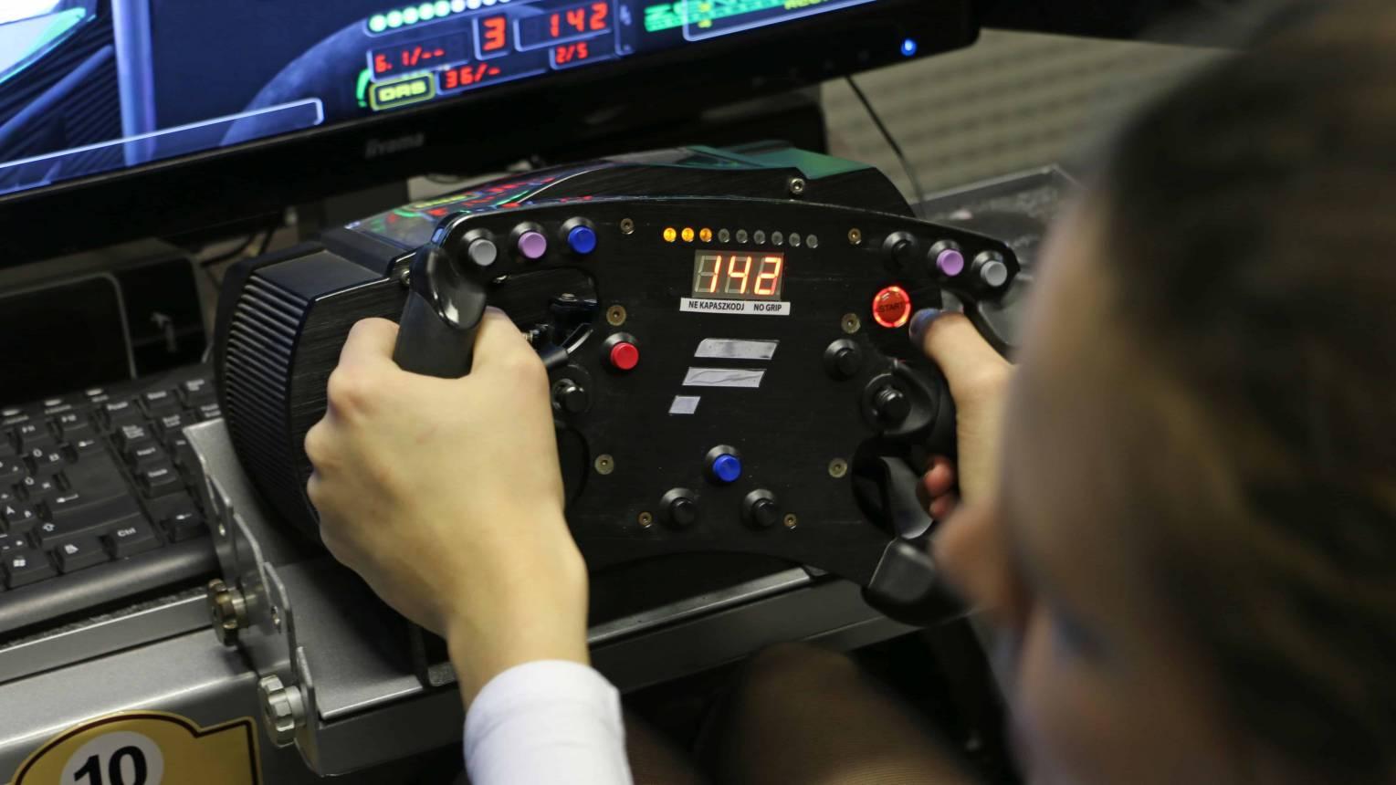 Autós szimulátor verseny