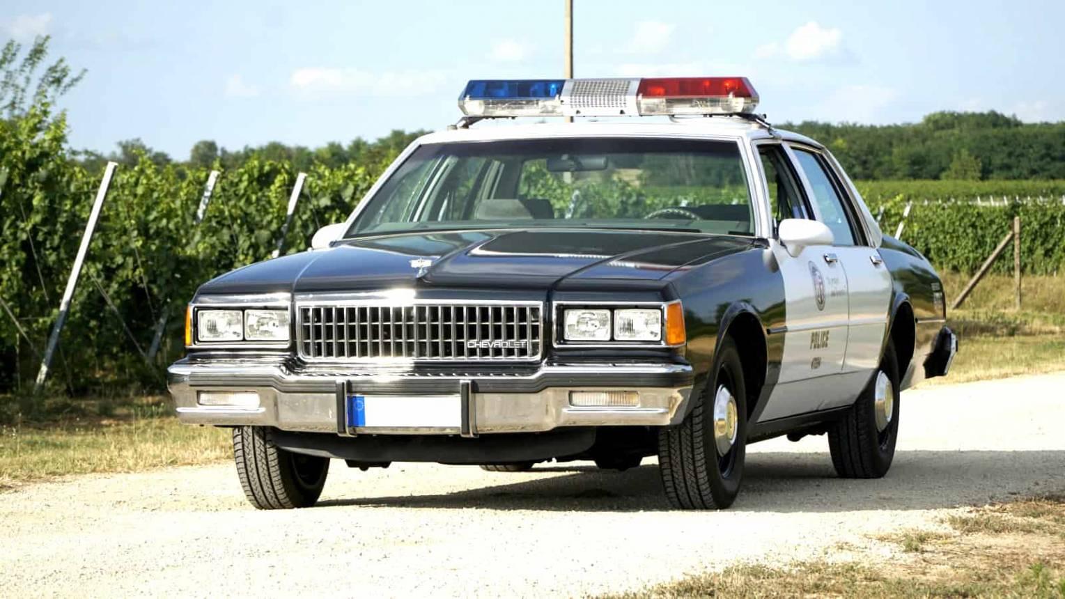 Chevrolet Caprice rendőrautó vezetés
