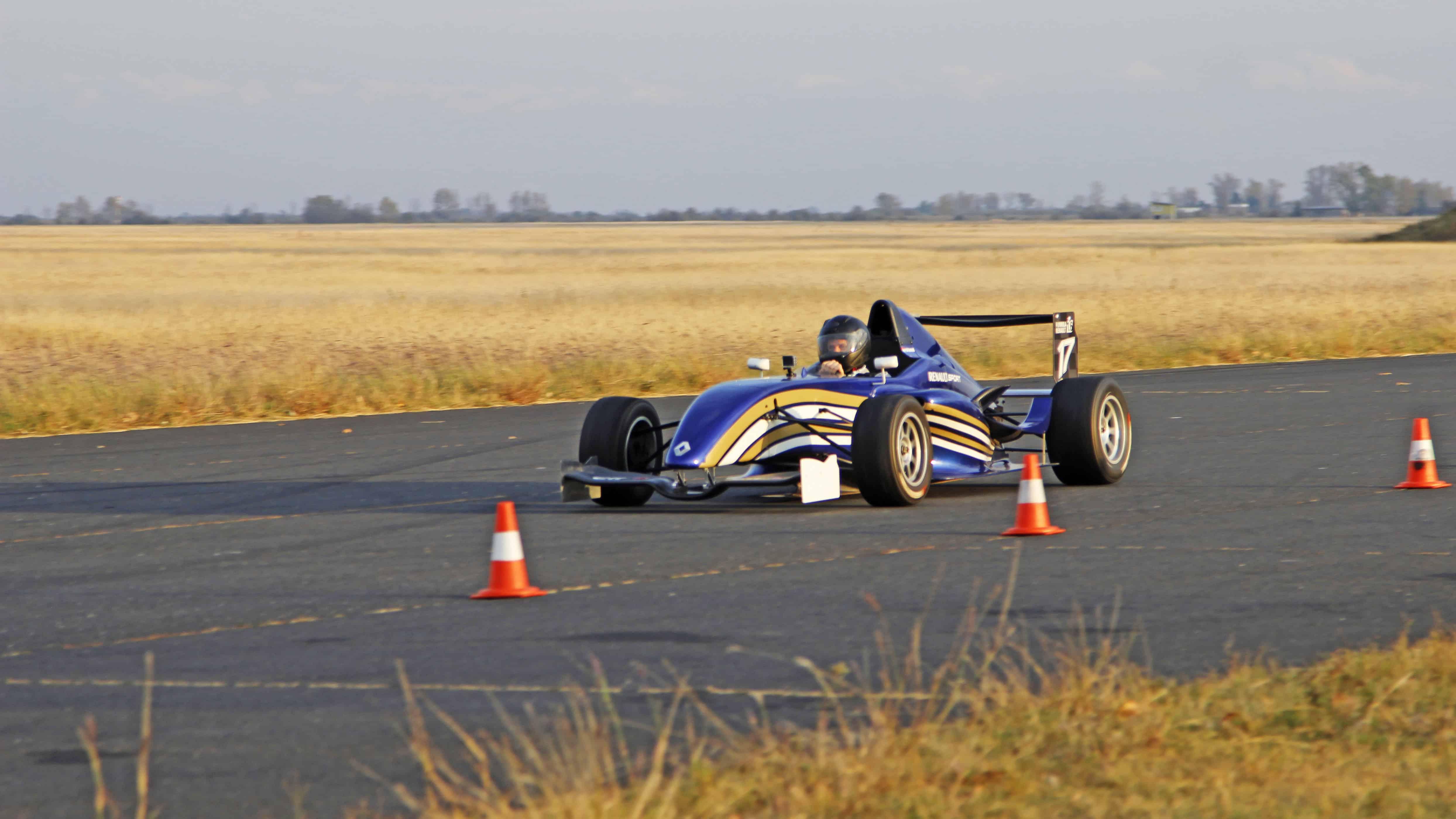 Forma Renault versenyautó vezetés a DRX-Ringen