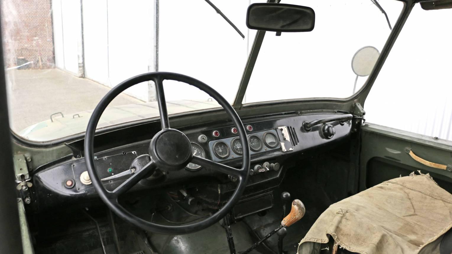 UAZ, katonai jármű vezetés
