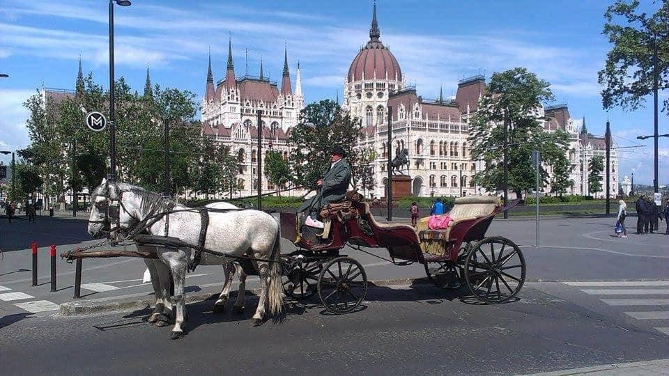 Romantikus hintózás Budapesten kedveseddel