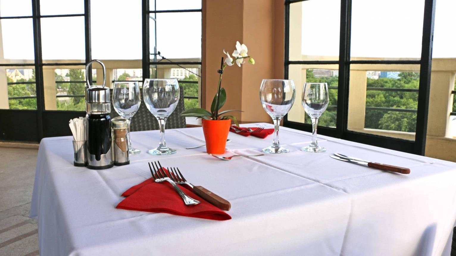 Romantikus vacsora a margitszigeti víztoronyban
