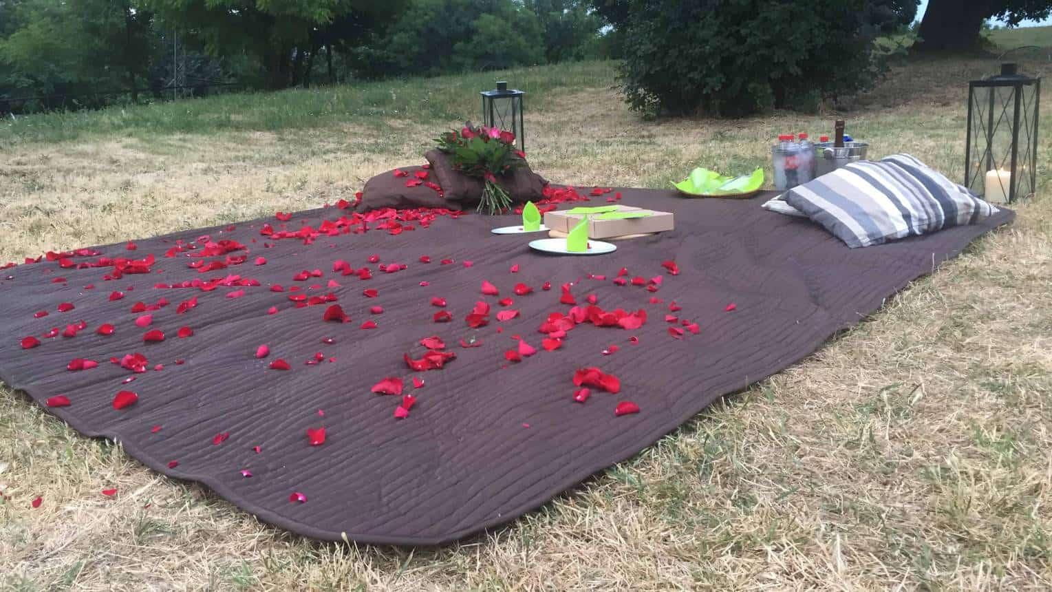 Romantikus piknikezés a Gellért-hegy oldalában