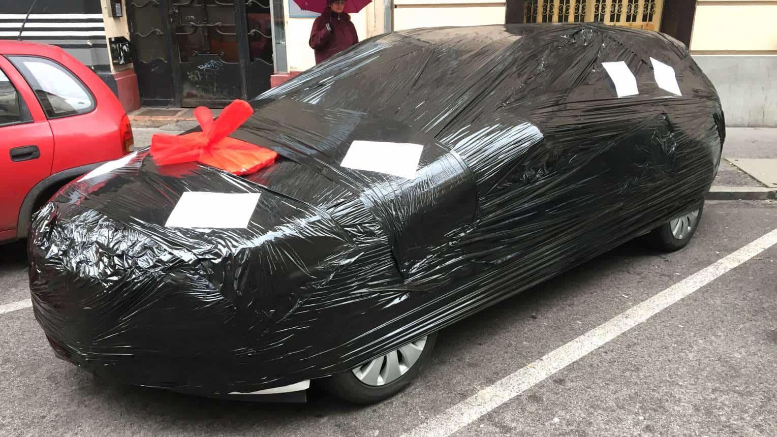 Autó csomagolás, extra meglepetés