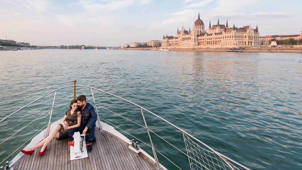 Romantikus vacsi és andalgás a Dunán!