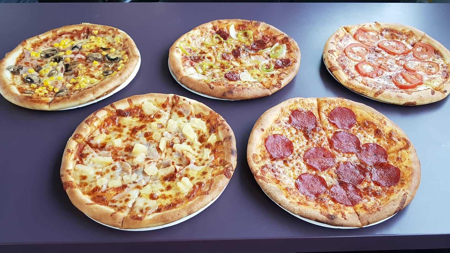 Pizza és sör - Sétahajó Budapesten