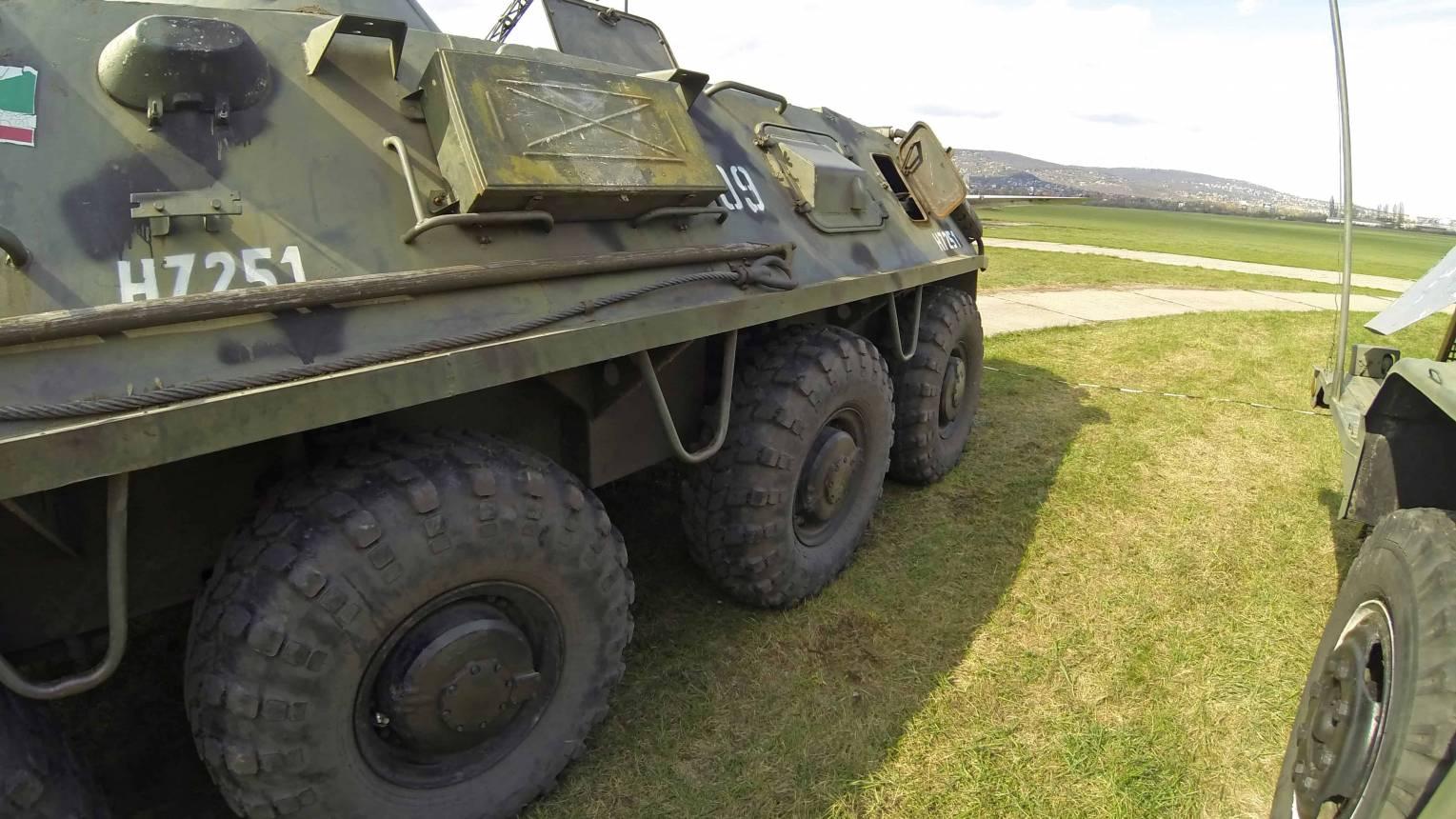 BTR-60 katonai jármű vezetés