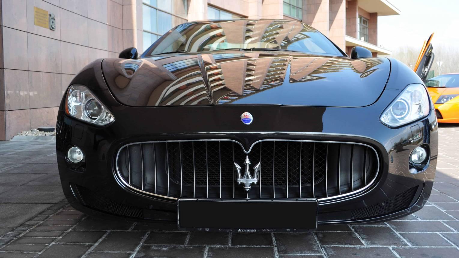Apa-fia vezetés és élményautózás Maseratival