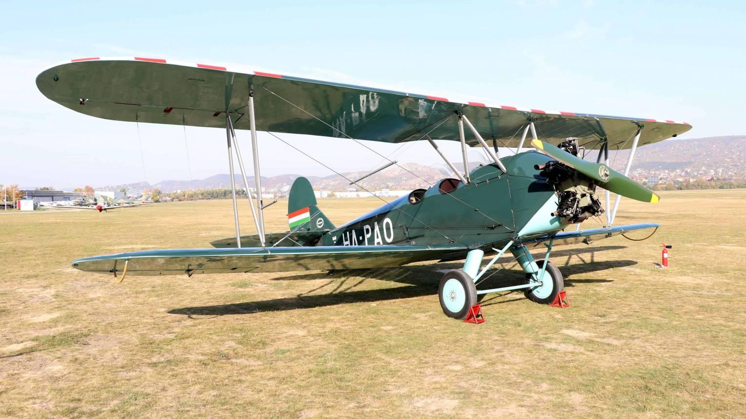 Repülés világháborús géppel