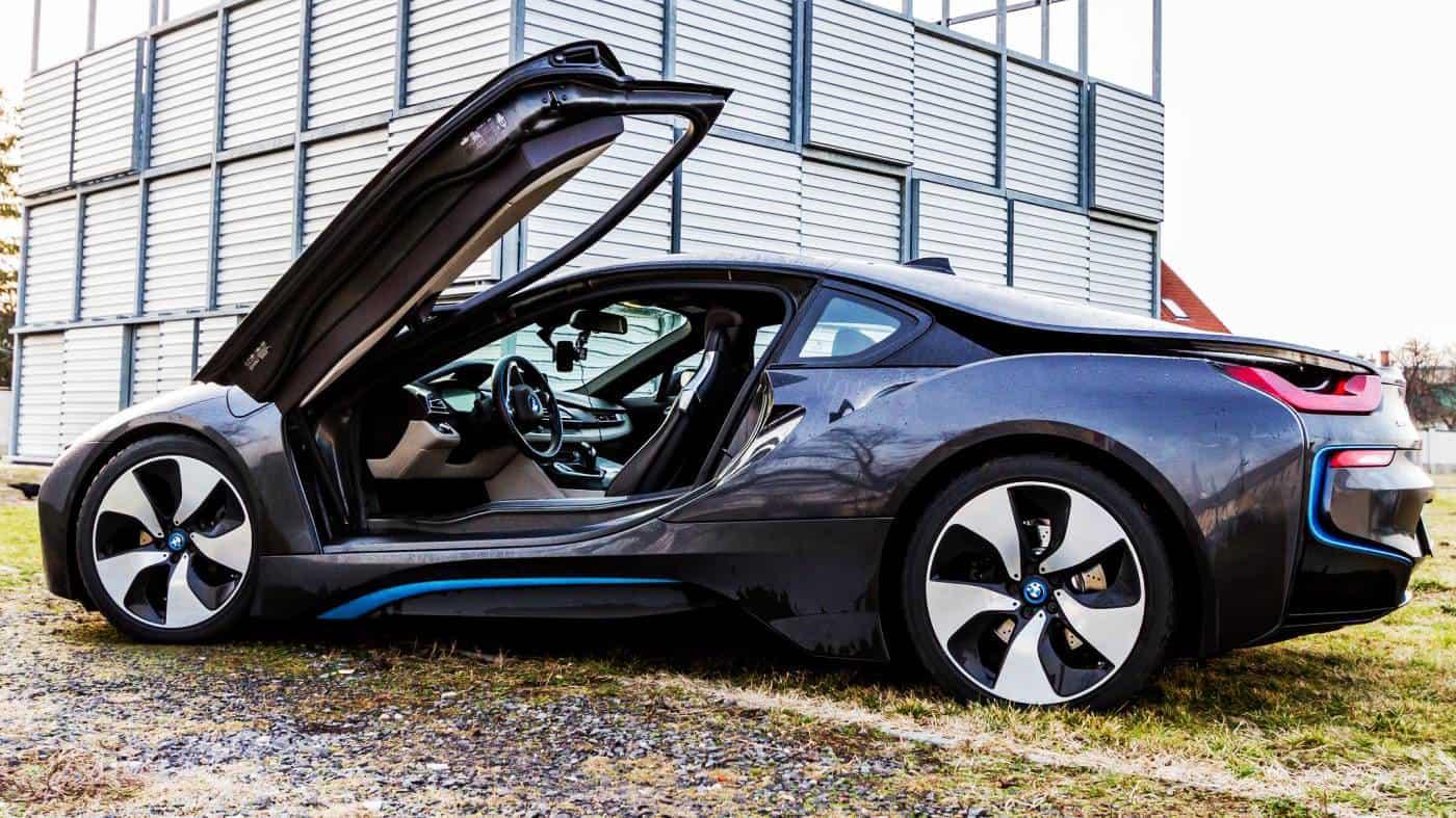 Legszebb BMW egy i8 utcai vezetése