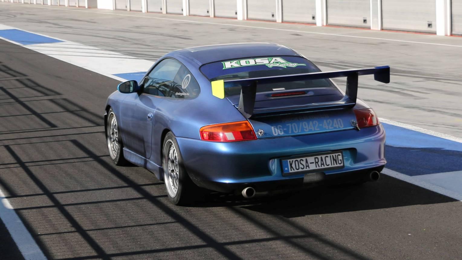 Porsche 996 versenyautó vezetés a Kakucs-ringen