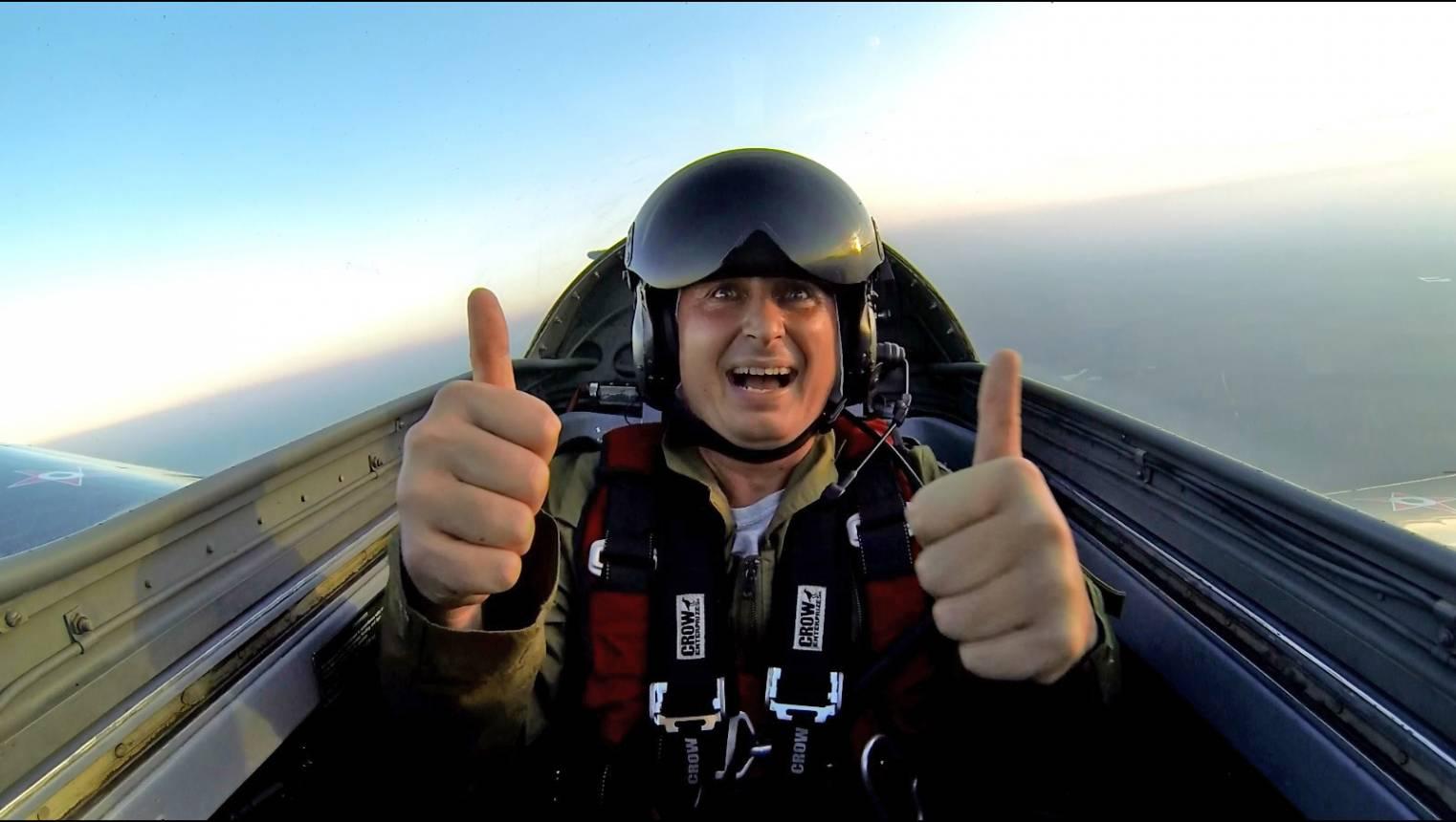 20 perces sétarepülés és műrepülés sugárhajtású vadászrepülőgéppel Tökölön