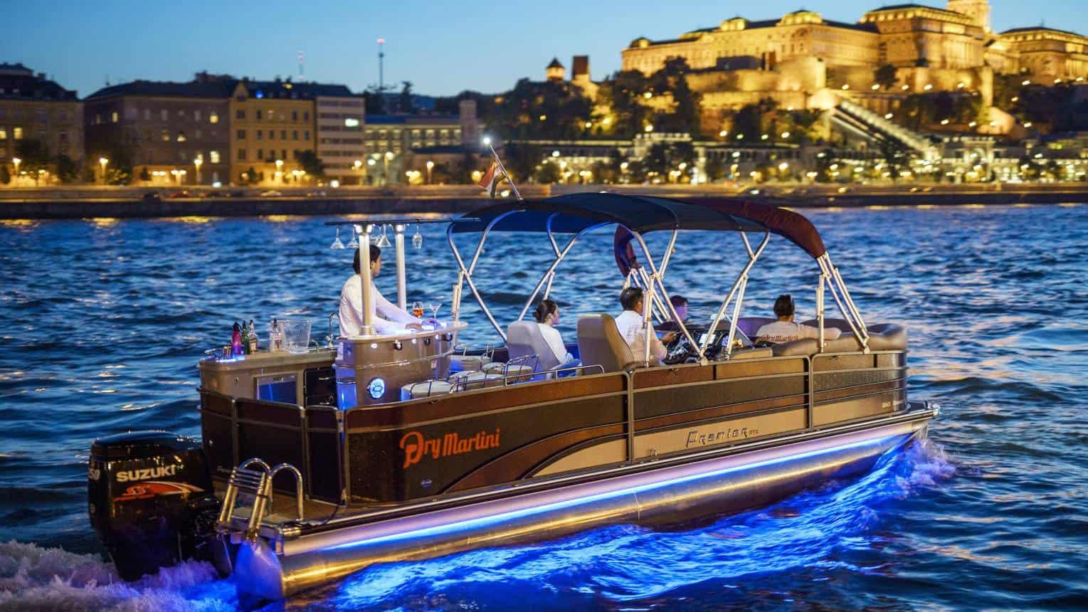 Privát party hajó a Dunán