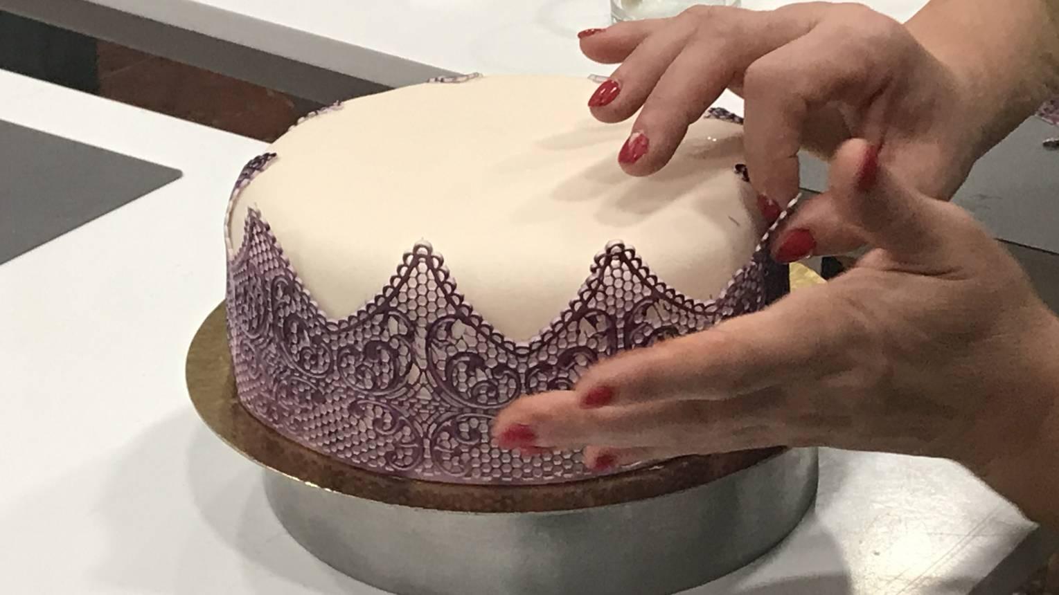 Airbrush festési technikák a cukrászatban (cukorcsipke készítő) kurzus