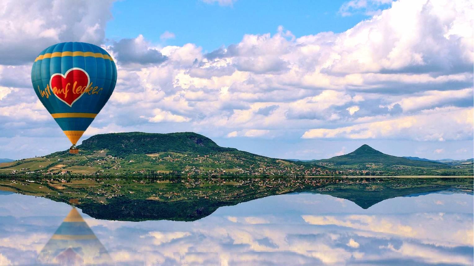 Suhanj hőlégballonnal Siófok felett