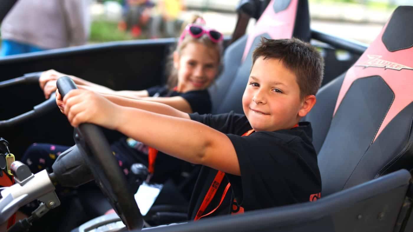 Autóquaddal az oviba vagy az iskolába a gyerkőcért