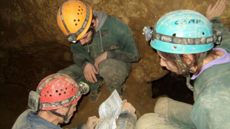 Geológiai barlangtúrák a Pál-völgyi-barlangrendszerben