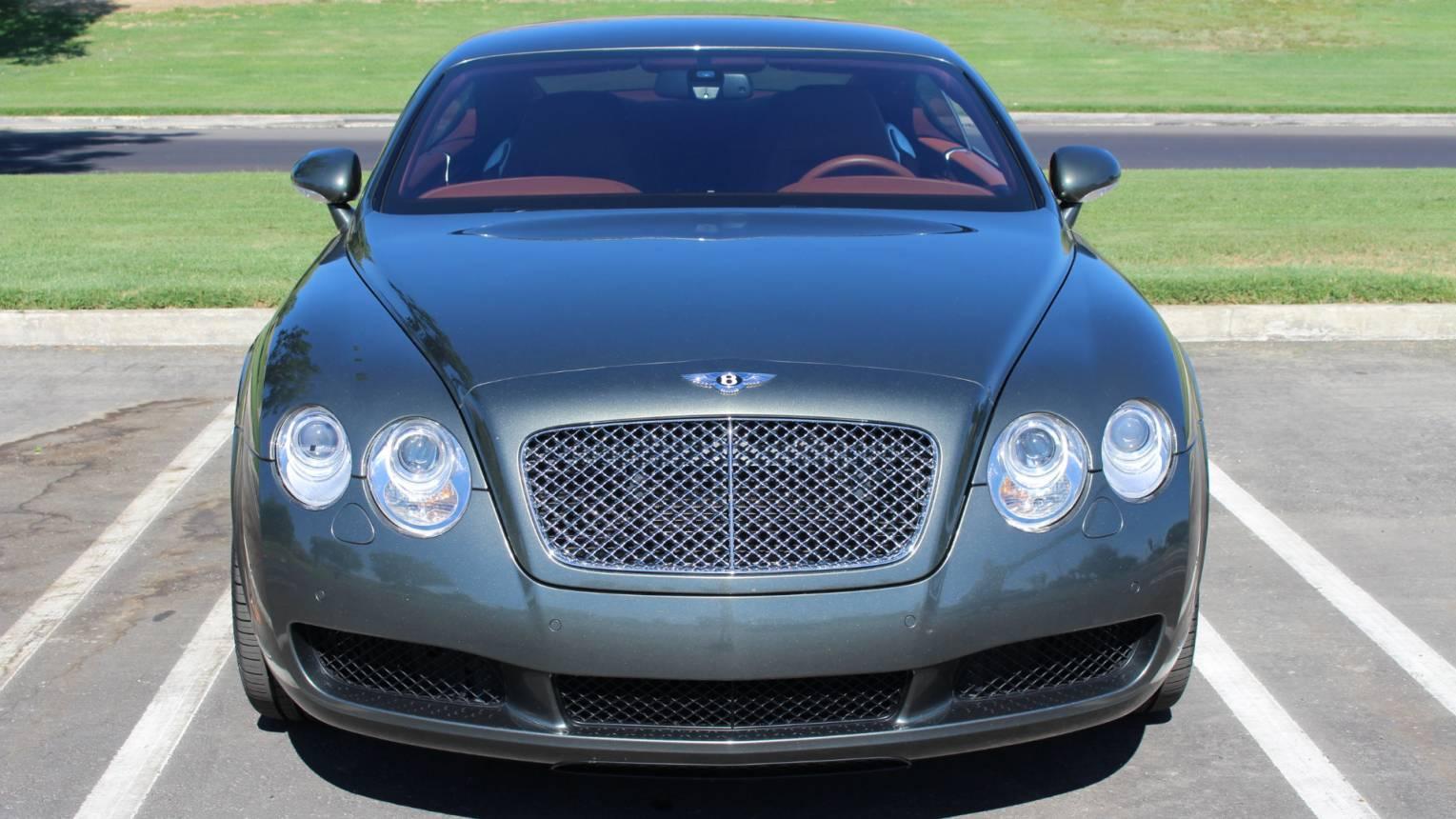 Bentley Continental GT-vel városnézés! Irány az étterem, vagy színház!