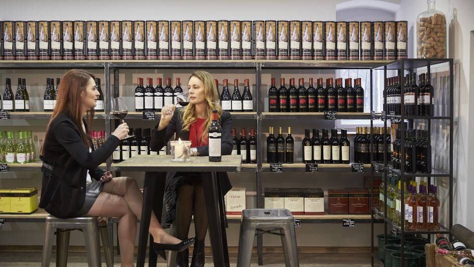 Sétálós Pezsgőgyárlátogatás pezsgőkostólóval egybekötve