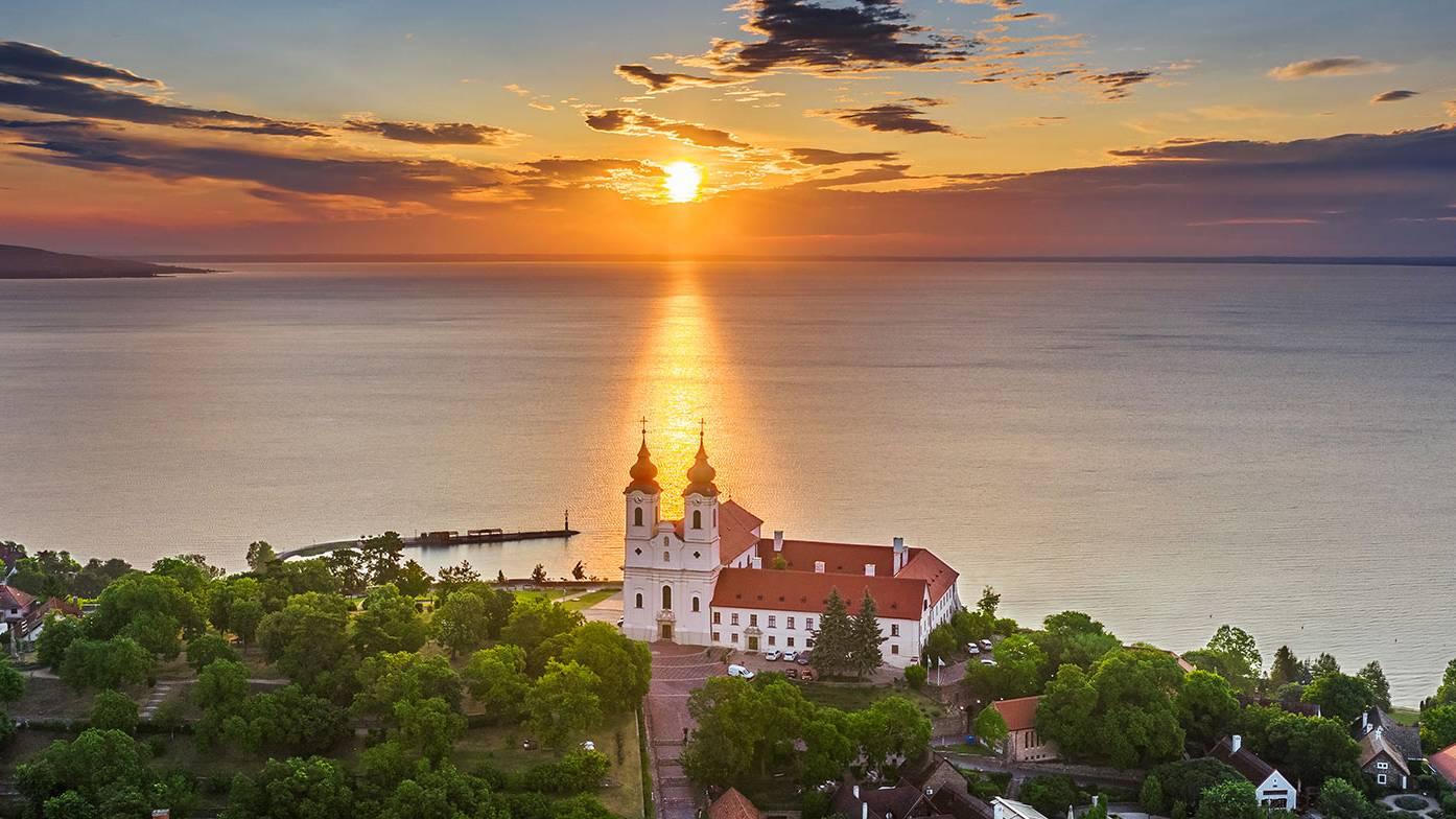 Budapest, Balaton (Tihanyig), Velencei-tó, Budapest sétarepülés