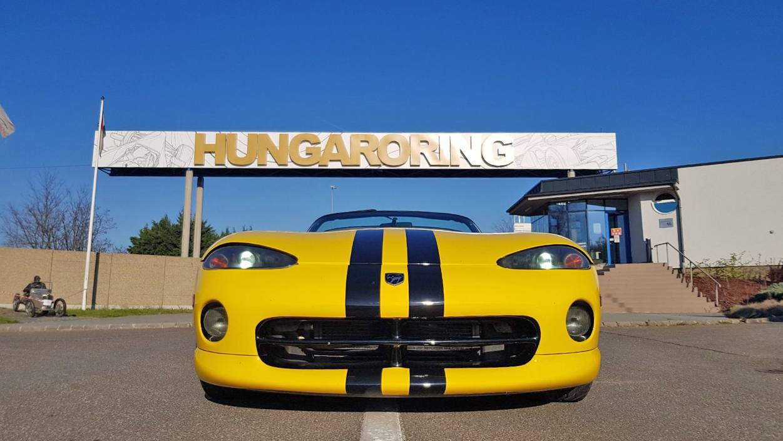 Dodge Viper vezetés a Hungaroringen