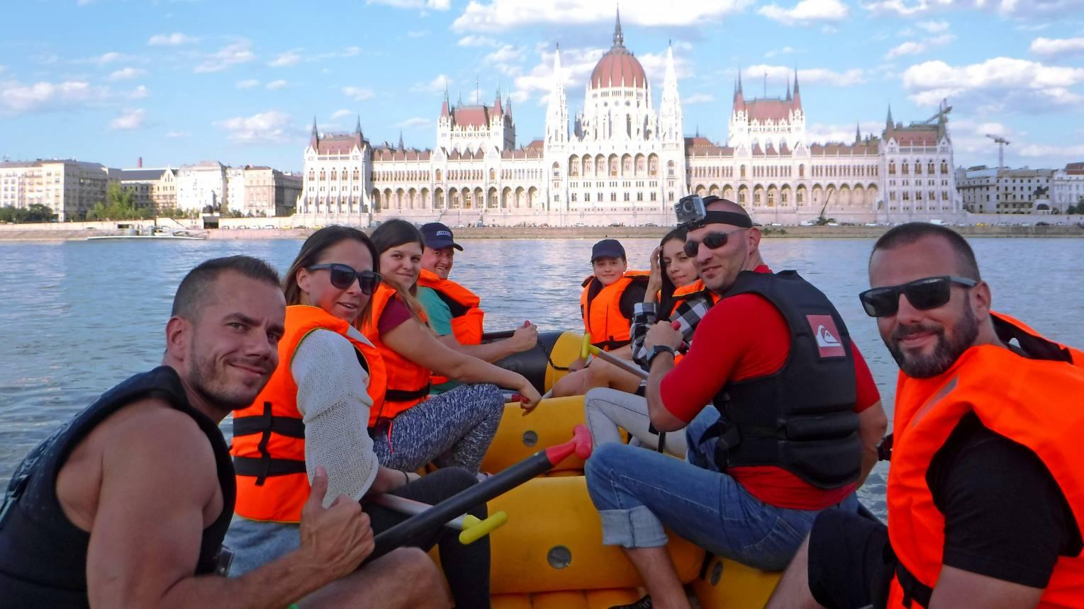 Rafting program Budapesten a Dunán