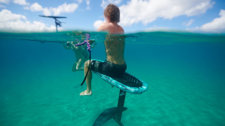 Repülj a víz felett eFoil deszkán a Luapa tavon