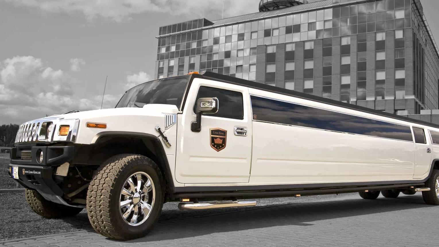 Fehér H2-es Hummer limuzin