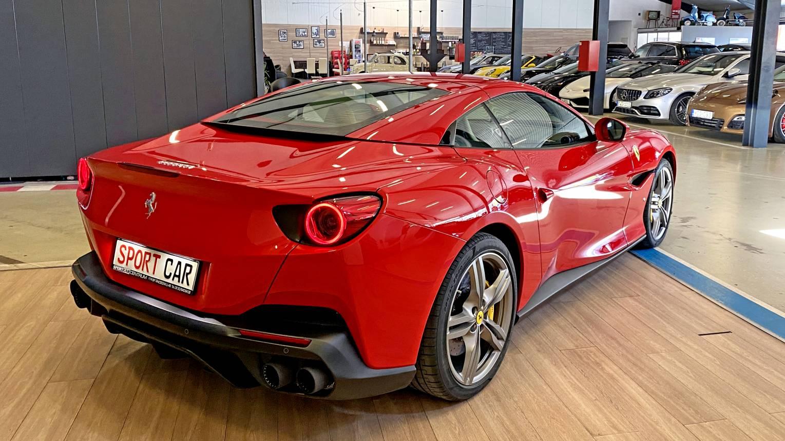 Ferrari Portofino kölcsönzés