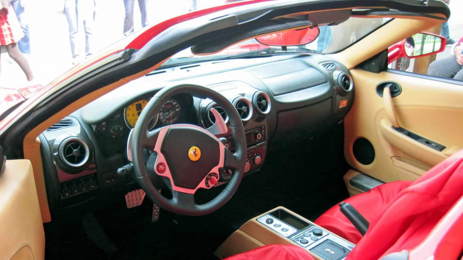Ferrari élményautózás gyerekeknek