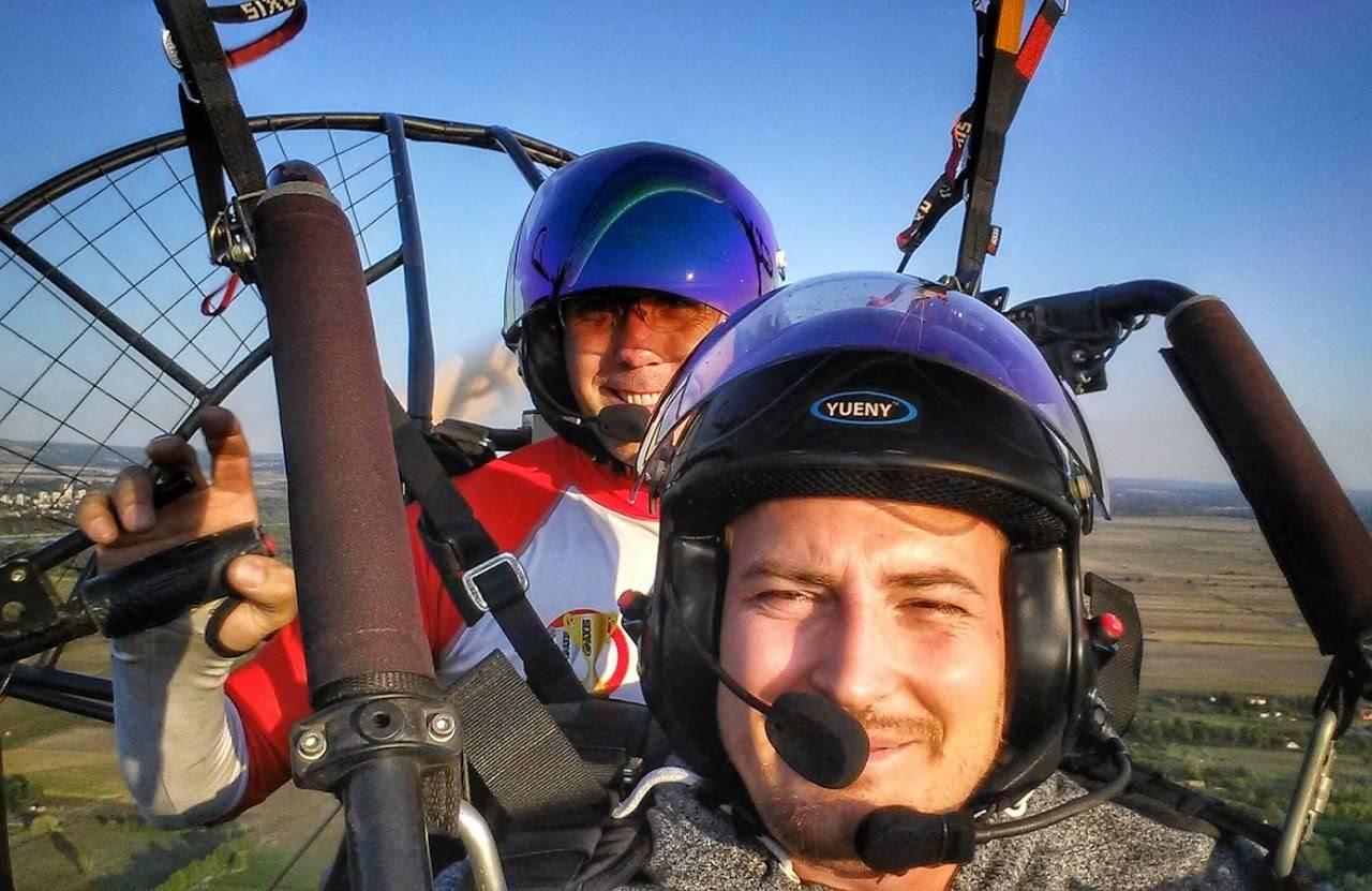 Motoros siklóernyős repülés a Velencei-tónál