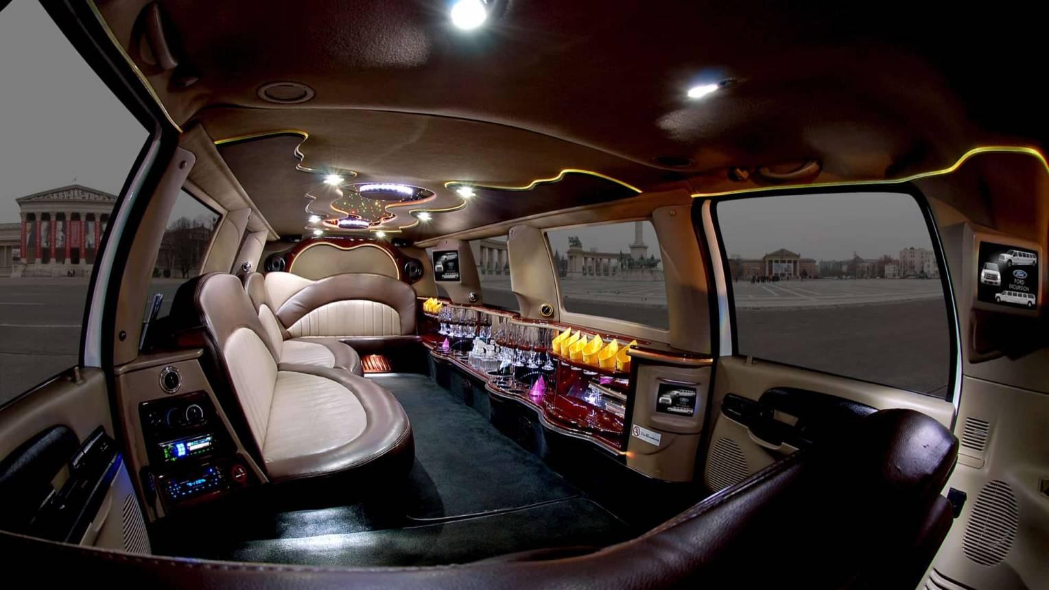 Ford limuzin