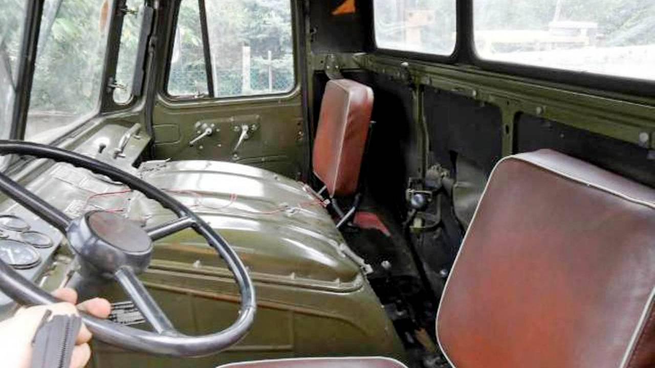 GAZ 66 katonai szállító teherautó vezetés terepen akár 10 utassal