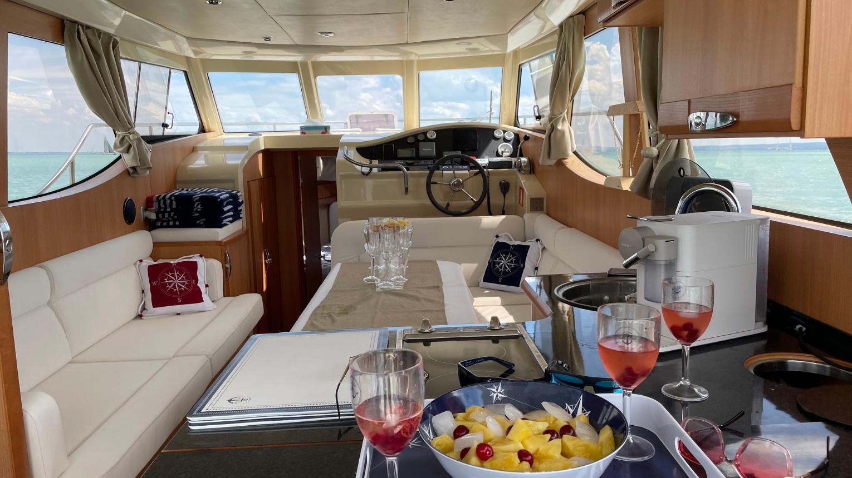 Exkluzív, Greenline33-as hybrid yacht bérlése balatonfüredi/alsóörsi kikötőből