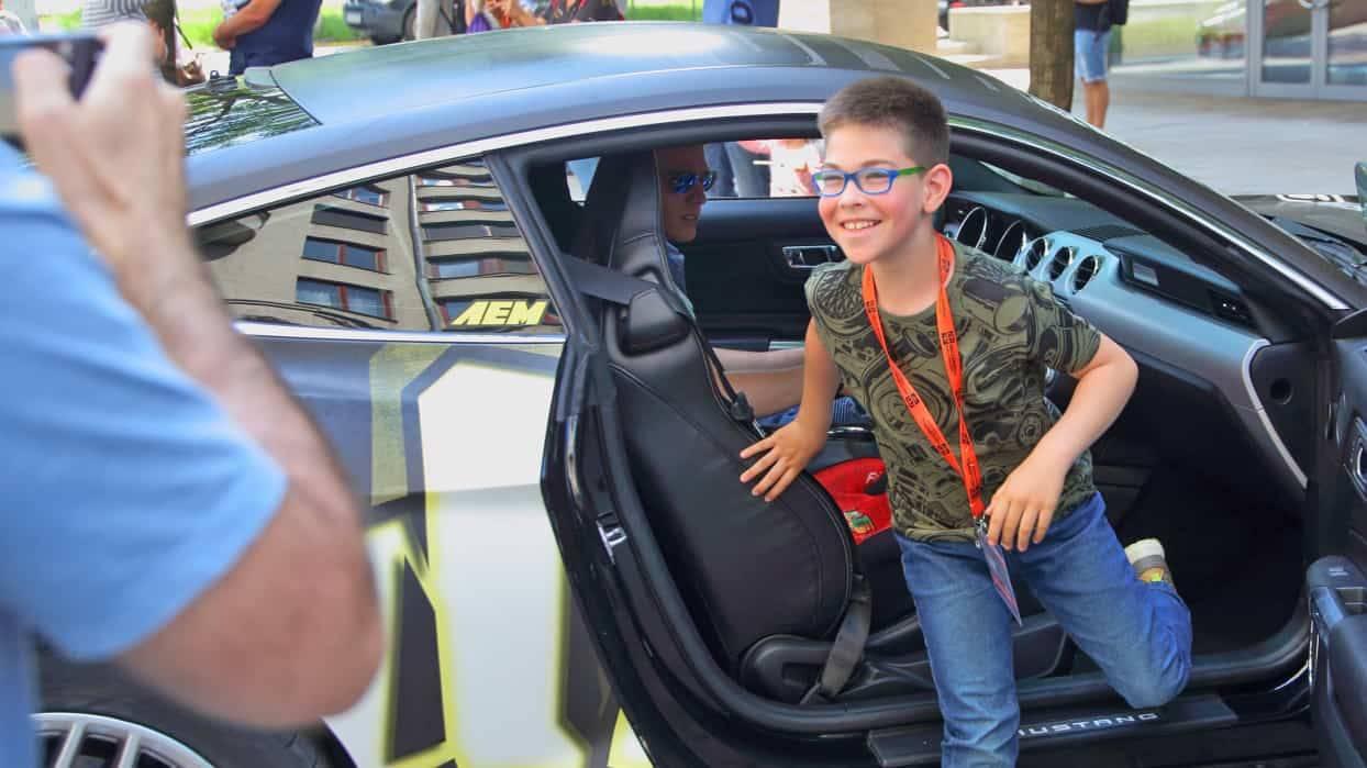 Élményautózás gyerekeknek Mustang GT 500-al a DRX-Ringen