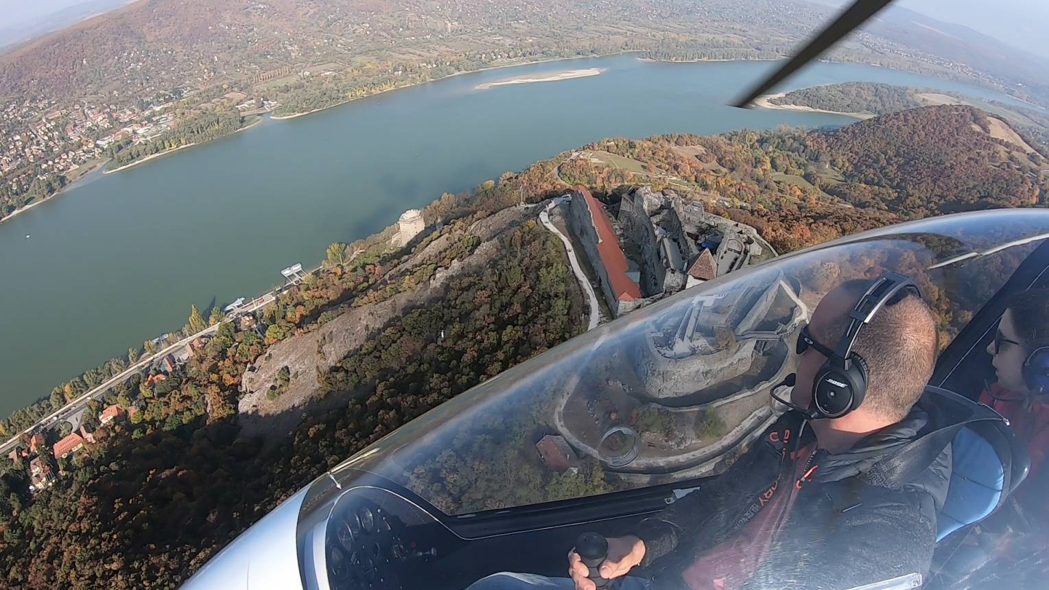 Duna kanyar végig repülése GIROkopterrel Budakeszi felszállással