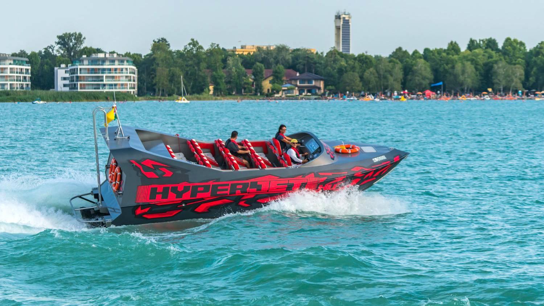 HyperJet motorcsónakkal Driftelés a Balatonon
