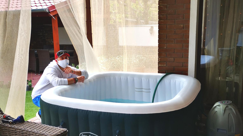 Pezsgőfürdőzés otthon! Bérelj IBIZA Jacuzzit Otthonra