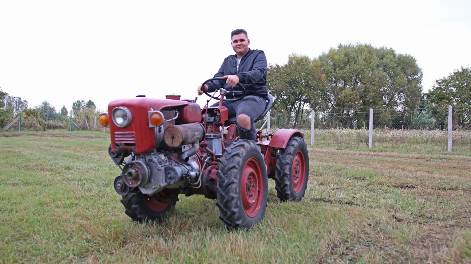 TZ4 K10 kistraktor vezetése gyerekeknek