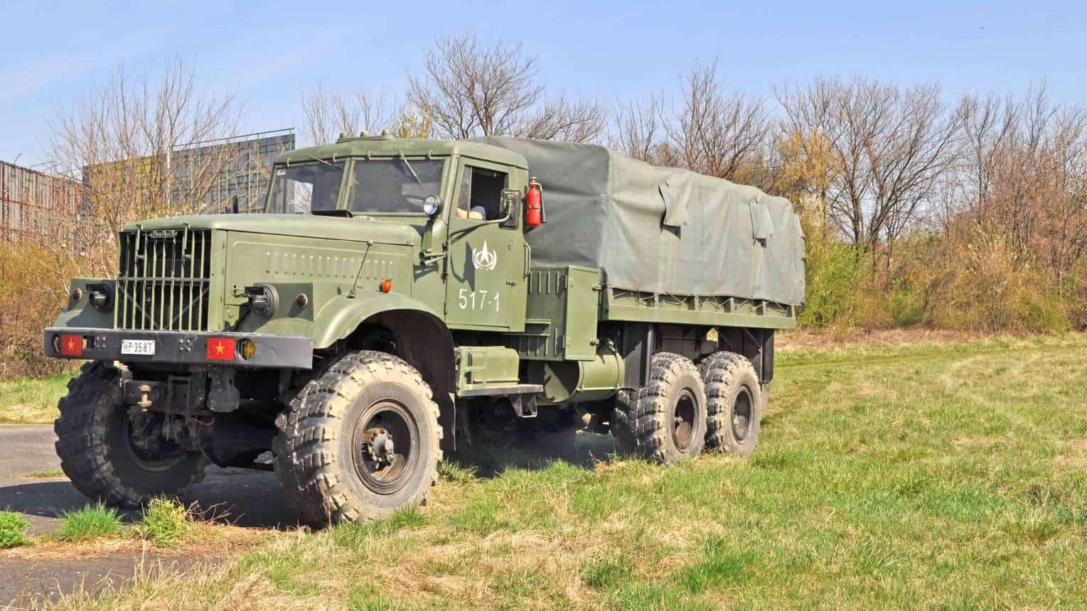 BTR60 és KRAZ katonai jármű vezetés