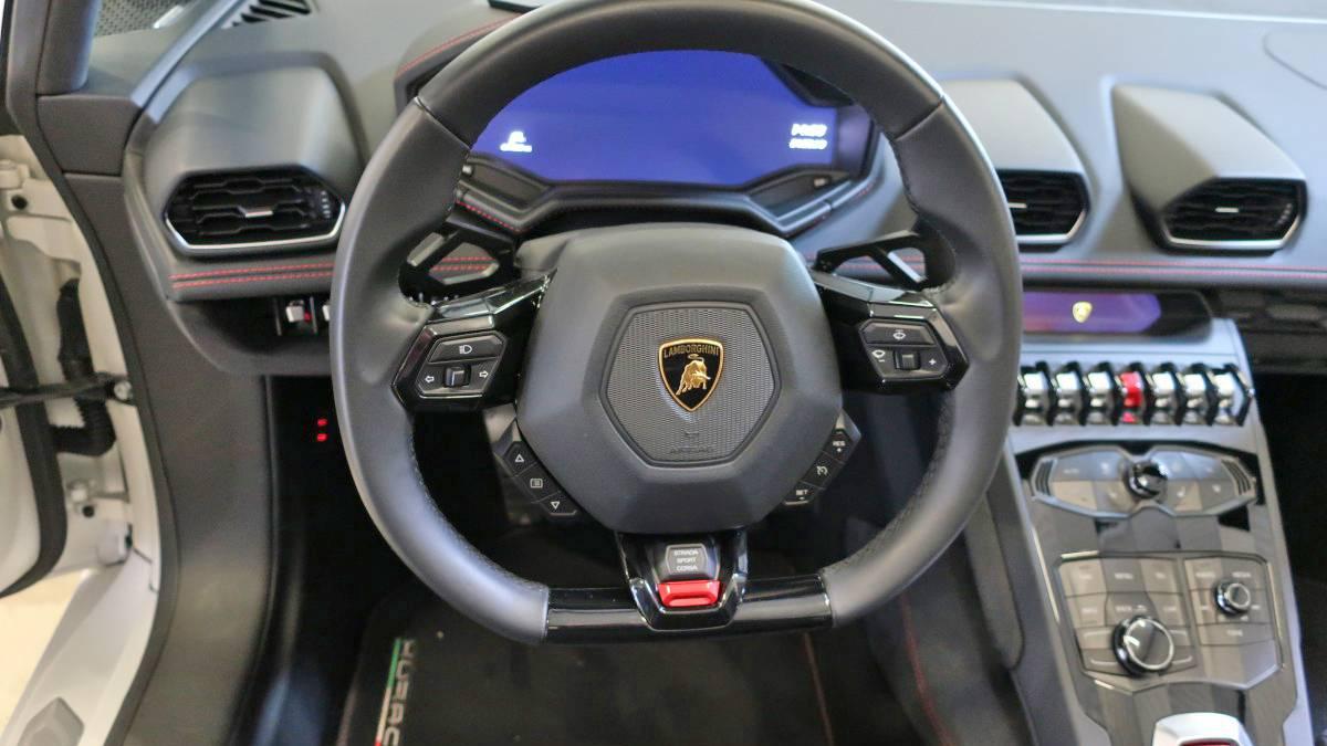 Lamborghini Huracan Spyder kölcsönzés