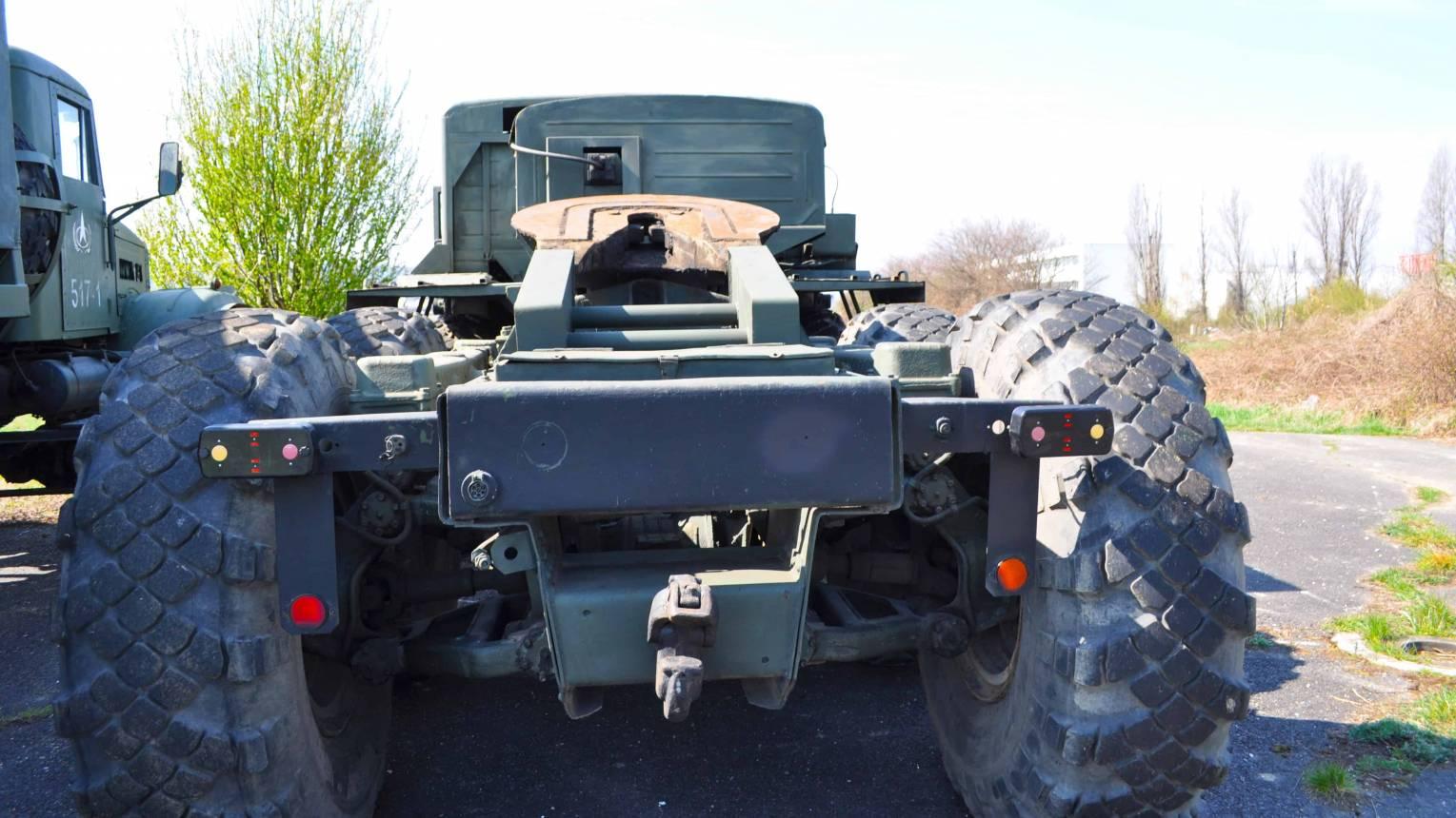 MAZ katonai jármű vezetés