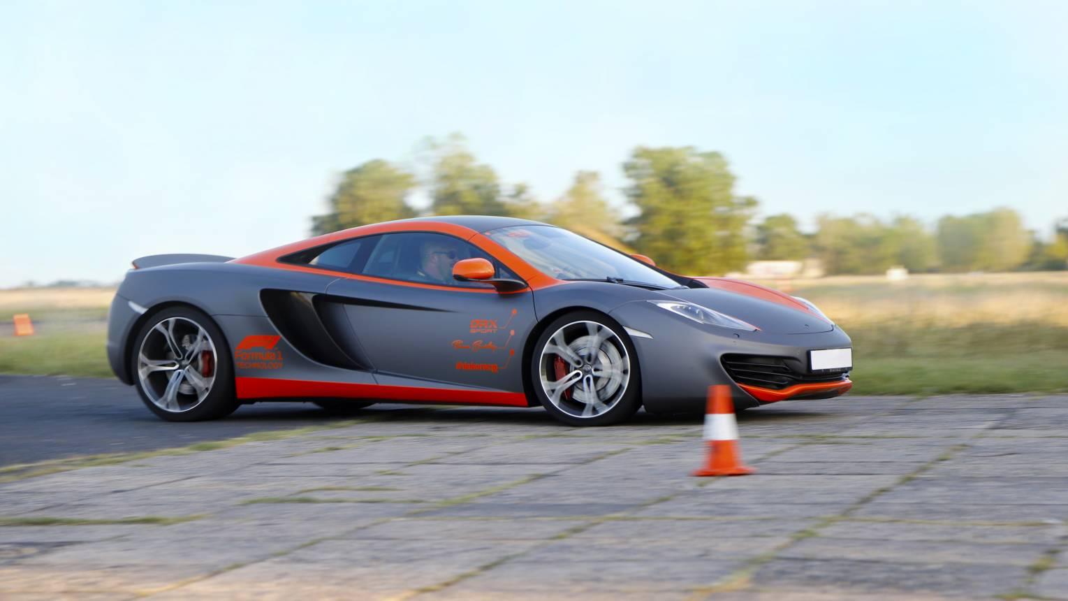 McLaren MP4-12C F1 vezetés a DRX-ringen