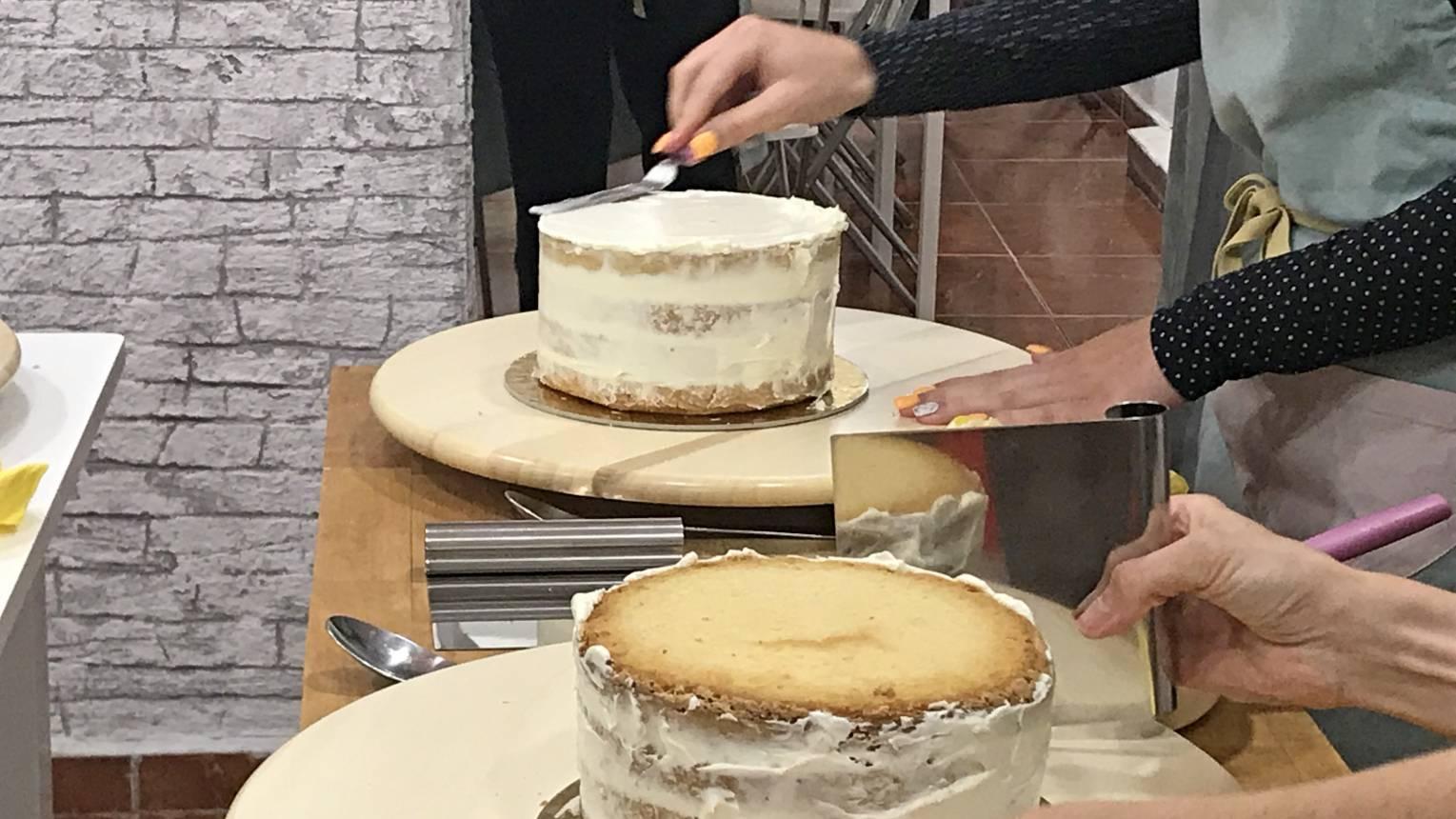 Meztelen torta cukorvirággal kurzus