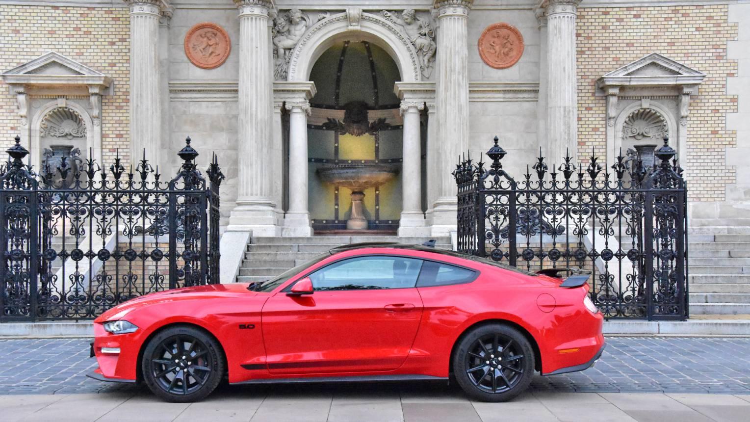 Utcai élményvezetés Mustang GT55-el Debrecen, Eger, Miskolc és Nyíregyháza környékén