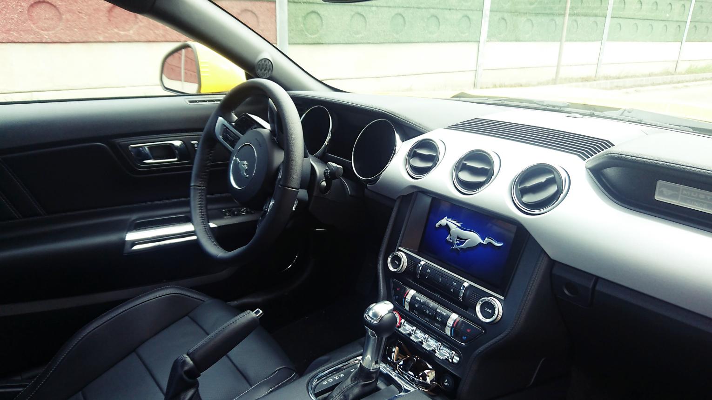 Ford Mustang 5.0 GT V8 FASTBACK kölcsönzés
