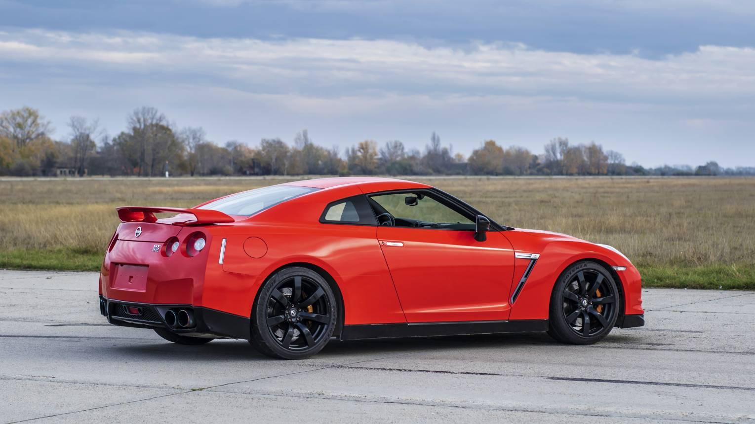 Nissan GT-R vezetés az Euroringen