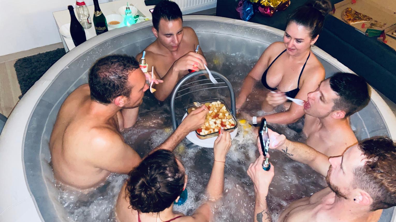 Pezsgőfürdőzés otthon! Bérelj PARIS Jacuzzit Otthonra