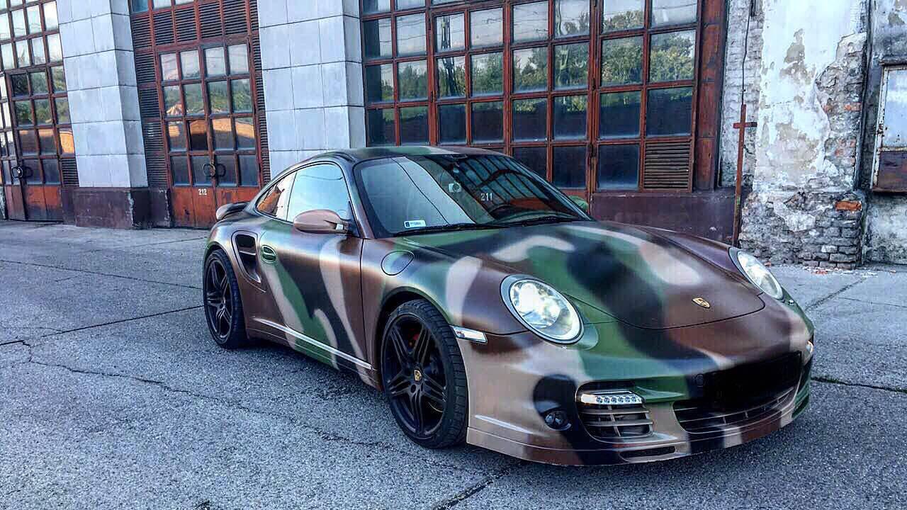 Porsche 911 Turbo utcai vezetés